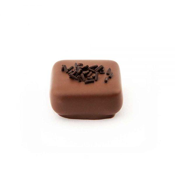 Comprar Bombón relleno de mousse de chocolate Marca Chocolate