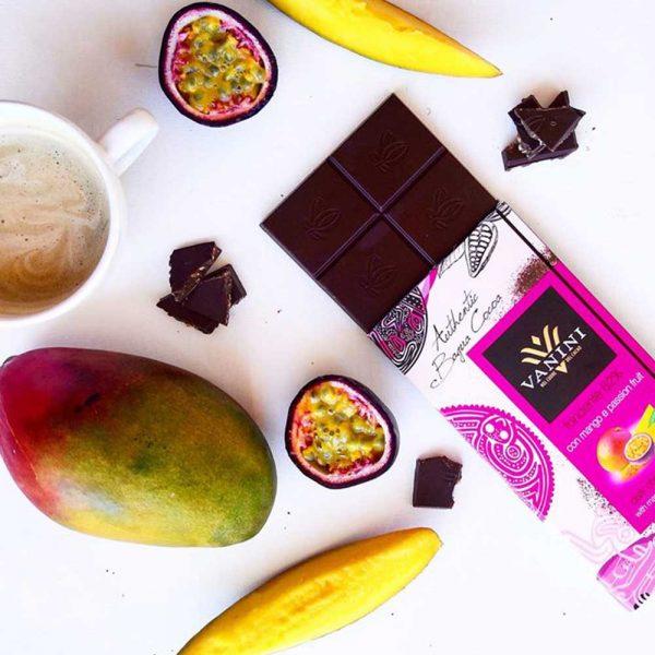 ableta de chocolate negro con mango fruta de la pasion nueva sabor vanini gourmet leon